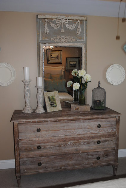 Traditional  by House Dressing Interiors, LLC