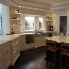 Traditional Kitchen Cabinetry by Pinnacle Sales