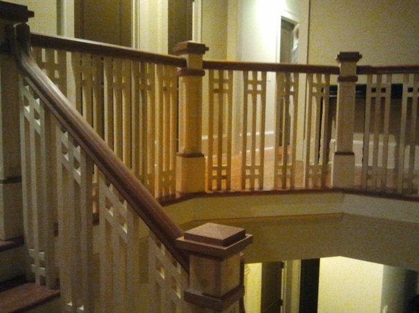 Traditional Staircase by Southern Staircase