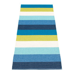 Pappelina - Pappelina Molly Plastic Rug, Blue - This  rug from Pappelina, Sweden, uses PVC-plastic and polyester-warp to give it ultimate durability and clean-ability. Great for decks, bathrooms, kitchens and kid's rooms