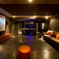 Modern Home Theater by MINOSA