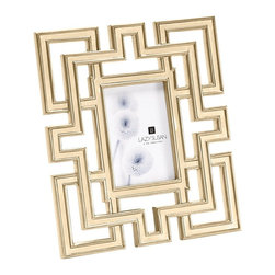 Lazy Susan - Lazy Susan LZS-225082 Gilded Garden Gate Frame - Deck the halls with all your favorite family photos. This gilded oak frame is a contemporary design modeled after a garden gate. Winter shots will look especially divine in this frame.