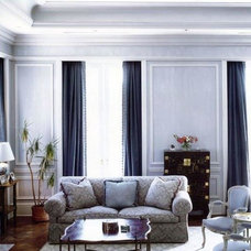 Traditional Living Room by ARMCRAFT INC.