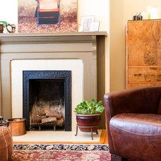 Traditional Living Room by Torbit Studio