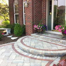 Traditional Patio by Hively Landscaping Inc.