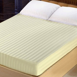 Lasin Bedding 300TC 100% Cotton Fitted Sheet, Queen, Ivory - Made of 100% high quality cotton, our 300 thread count fitted sheets are soft and comfortable, just the way you need for a good night sleep.