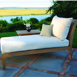 Outdoor Furniture - This lounge chair offers exceptional comfort for any outdoor patio or deck. Add to your idea board if this would make a great addition to your patio! | Northern Virginia | Lawn and Leisure