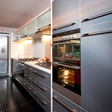 Modern Kitchen by Standards of Excellence