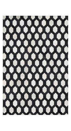 "Loloi Rugs - Loloi Rugs Promenade Collection - Ivory / Black, 3'-6"" x 5'-6"" - Hand stitched in India of 100% authentic cowhide, Promenade is a contemporary version of the timeless cowhide rug. The modern collection offers patterns that range in graphic designs with a strong contrast of light and dark hides. And the durable cowhide fiber makes Promenade ideal for your most frequented rooms."