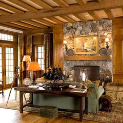 traditional living room by MCGRAY & NICHOLS INC