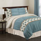 Lush Decor - Lush Decor Aurora 4-piece King/Cal King-size Comforter Set - With fabrics of faux silk and chiffon this elegant king-size comforter set will make you feel like royalty. With a pattern of peacock feathers,this set includes the comforter,bedskirt,and two pillow shams for a complete,beautiful look.