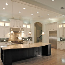 Traditional  by Woodsman Kitchens and Floors