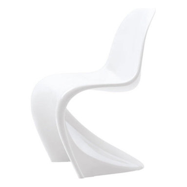 Vitra - Panton Classic Chair, Classic White - The Panton Chair is recognized as a classic of modern furniture design: one of the first models belongs to the Museum of Modern Art in New York. True to the original, the Panton Chair Classic is available with a lacquered finish in black, white or  chair offers great seating comfort thanks to the cantilever base, together with its shape designed to do justice to the human body and flexible materials. It can be used on its own or in groups, in rooms and even outdoors. The Panton Chair has won various design prizes world-wide and graces the collections of numerous renowned museums. Its expressive shape makes it a true 20th-century design icon.