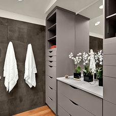 Modern Bathroom by Signature Designs Kitchen & Bath