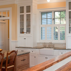 traditional kitchen by Kirstin Havnaer, Hearthstone Interior Design, LLC