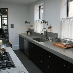 Concrete kitchen countertops - Concrete countertops with an integrated concrete sink. NYC,NY.