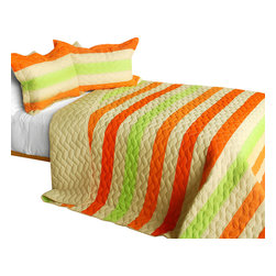 Blancho Bedding - [Amber Romance] 3PC Patchwork Quilt Set (Full/Queen Size) - The [Amber Romance] 100% TC Fabric Quilt Set (Full/Queen Size) includes a quilt and two quilted shams. This pretty quilt set is handmade and some quilting may be slightly curved. The pretty handmade quilt set make a stunning and warm gift for you and a loved one! For convenience, all bedding components are machine washable on cold in the gentle cycle and can be dried on low heat and will last for years. Intricate vermicelli quilting provides a rich surface texture. This vermicelli-quilted quilt set will refresh your bedroom decor instantly, create a cozy and inviting atmosphere and is sure to transform the look of your bedroom or guest room. (Dimensions: Full/Queen quilt: 90.5 inches x 90.5 inches; Standard sham: 24 inches x 33.8 inches)