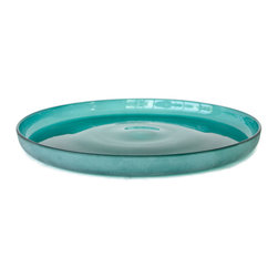 18KARAT - Emerald Penombre Platter - The word Penombre means darkness. This collection features solid coloured bowls and platters that match the Ombre collection. The pieces have frosted exteriors contrasted with smooth interiors in rich jewel tones. They are foodsafe and perfect for use as serving dishes.