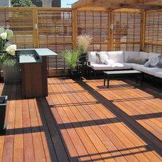 Modern Deck by Unique Deck Builders