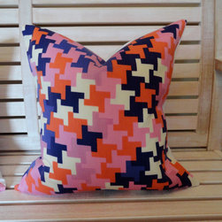 Designer Trina Turk For Schumacher, Jax Print Pillow Cover By Lil and Gaines - Trina Turk's vivacious prints for Schumacher are incredibly fun to look at. This pillow cover is made of indoor/outdoor fabric, providing durability along with its good looks.