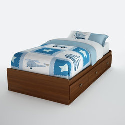 "South Shore - Willow Twin Mate's Bed Box - Make the most of your available space with this practical twin 39-inch mate's bed. It features three drawers underneath the bed for storing clothing, toys and other items. No bedspring required. The Willow Bookcase Headboard can be attached to complete the look. Features: -Mate's bed.-Three drawers underneath the bed for storing clothing, toys and other items.-Transitional style.-EPP certified panels.-ISTA 3A-certified.-Constructed of engineered wood.-Metal handles with a gold nickel finish.-Willow collection.-Distressed: No.-Country of Manufacture: Canada.Dimensions: -Drawer interior: 22.5'' W x 17.75'' D.-Overall Height - Top to Bottom: 13.8"".-Overall Width - Side to Side: 40.35"".-Overall Depth - Front to Back: 76.34"".-Overall Product Weight: 117 lbs.Assembly: -Assembly required.Warranty: -Manufacturer provides a 5-years warranty."