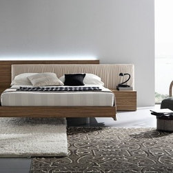 Rossetto USA - Edge Platform Bed - Features: -Made in Italy. -Manufacturer provides one year warranty against manufacturing defect. -Light available with sku RSU1072.
