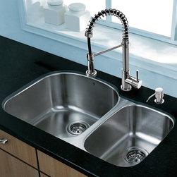 Kitchen Sinks: Find Farmhouse Sink and Apron Sink Designs Online