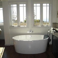 Bathtubs by THE KITCHEN LADY, Enriching Homes With Style
