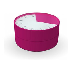 Joseph Joseph - Pie Kitchen Timer, Pink - Simply twist the top half of the unit to gradually reveal an easy-to-read analogue dial, stopping when you reach the required number of minutes and seconds (up to 1hr). Release the bezel and the unit begins counting down, leaving you free to concentrate on other tasks. The graphic dial allows you to monitor progress at a glance, even from a distance, and when the time is up, a classic alarm bell sounds to attract your attention.