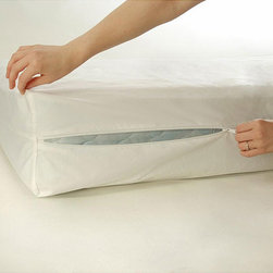 None - Bed Bug and Dust Mite Proof Full-size Mattress Protector - With bed bug and dust mite prevention, this polyester mattress protector can cover a full- size mattress. With the soft weave, your mattress will stay comfortable throughout the years. Waterproof and latex-free, this protector is machine-washable.