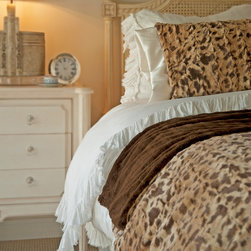 Brown Leopard Bed Throw - For those that adore the soft luxurious feeling of fur adorning their  bed, the Kelly Van Halen Brown Leopard King Throw will sprawl fantastically across the entire width of your bed, turning it into a palace of softness and sweet dreams. Beautifully detailed faux fur that is perfectly finished, add texture and an element of fun to any boudoir.