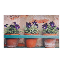 Esschert Design - Printed Doormat - Flower Pots - Bring botanical beauty to your doorstep with this charming violet scene. This pleasing potted-plant pattern works as a warm welcome on this ecofriendly rubber doormat.