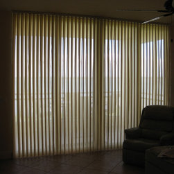 Illumasheers in Palmetto Condo - This is the livingroom Illumasheer with blind pulled closed but the vanes in the open position. With the vanes open you're looking thru the shher fabric. My client was thrilled with this product!