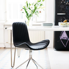 Modern Chairs Bella Black Chair