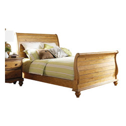 Hillsdale Furniture - Hillsdale Hamptons Queen Sleigh Bed in Weathered Pine - No one takes design more seriously than Hillsdale Furniture. After all, the Hillsdale Furniture designers own the company. For twenty years they have been committed to creating beautifully designed furniture at the right price. And that commitment is why Hillsdale became an industry leader in home furnishings.