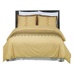 Bed Linens - Lakewood Embroidered Multi-Piece Duvet Set King-California King - You are invited to experience the comfort, luxury and softness of our luxurious Embroidered duvet covers. Silky Soft made from 100% Egyptian cotton with 300 Thread count woven with superior single ply yarn. Quality linens like this one are available only at selected Five Stars Hotels.