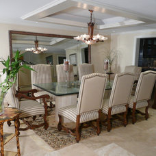 Traditional Dining Room by Michael Segal