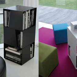 Stay Bookshelf - Modular bookcase with a fixed or rotating base in white or black metal.