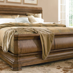 Pennsylvania House/Universal - Louie P's Sleigh Bed -