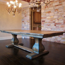 Traditional Dining Tables -