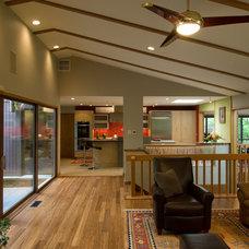 Kitchen by Custom Design/Build, Inc.