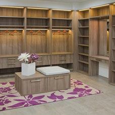 Modern Closet by Madeval USA