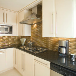 Kitchens - Oceanside Elevations in the color Cane Iridescent Extrados Pattern