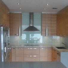 Modern Kitchen Countertops by Todokitchens