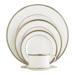 kate spade new york - kate spade new york Sonora Knot 5-piece Place Setting - Adorned with delicate, herringbone-inspired bands our Sonora Knot 5 Piece Place Setting by kate spade new york has a sophisticated look. Featuring lustrous gold, platinum and black rim accents the place setting is perfect for any occasion.