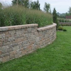 Traditional Retainer Walls by Midwest Block & Brick
