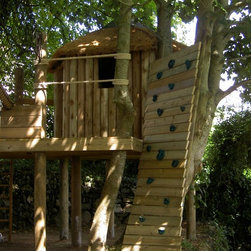 Fun treehouses by Treehouse Life - Imagine a world where all of your dreams can come true. A fun packed, magical treehouse with slippery slides, hidden doors and a surprise around every corner that never fails to excite.