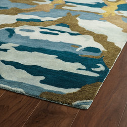 BRS02-17 - The artistic inspirations of the Brushstrokes collection finally brings you a true piece of art for your floor! Beautiful hand-painted designs accentuated from a smooth and steady motion, this assortment features a unique spotlight of fantastic color combinations. Each rug is perfectly executed and detailed in this 100% wool, hand-tufted rug made in India.