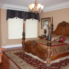 Traditional Bedroom by CREATIVE DESIGN TEAM-Marya Flurnoy