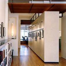 Contemporary Entry by Chapman Architects